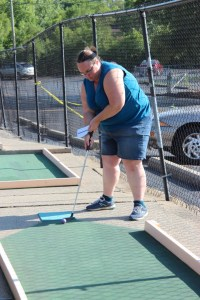 Clare teeing off at putterz
