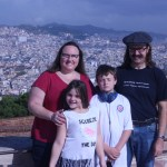 Family with Sagrada Familia in the background