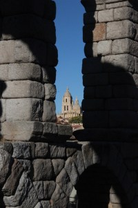 Cathedral seen through the aquaduct