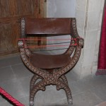 Scissor chair, used to provide a comfortable ride for women on horseback