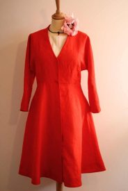 robe en lin sur mesure avec pavot en soie par Fée au Château couturière costumière à Versailles