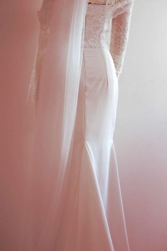 robe de mariée et voile par Fée au Château couturière costumière à Versailles