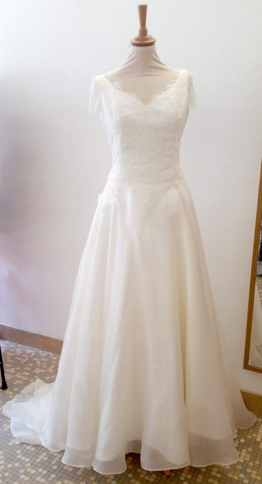 création de robe de mariée couture à Versailles