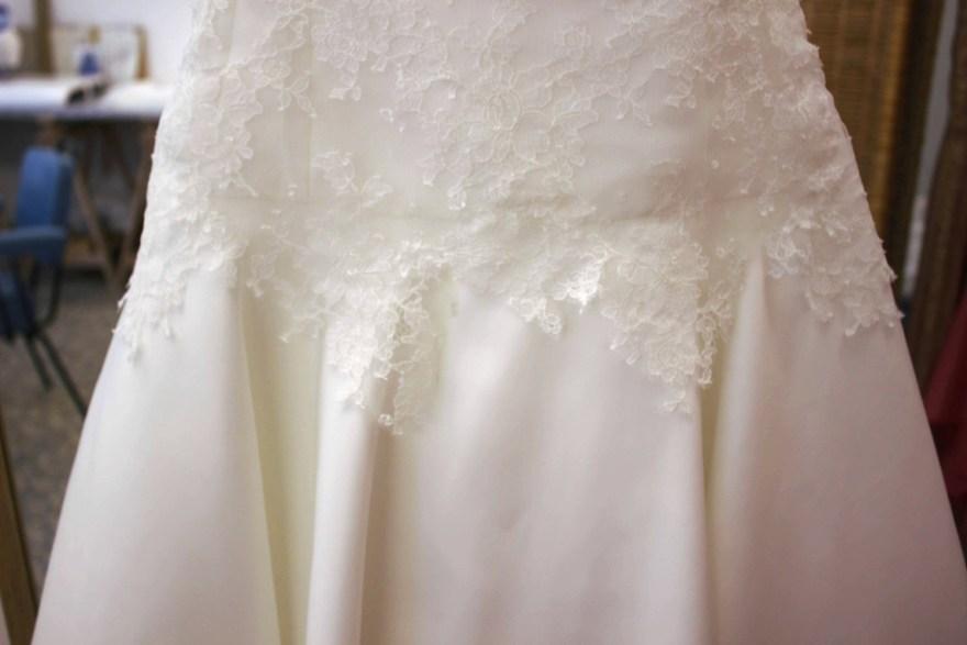Robe et tenue de mariage couture à Versailles