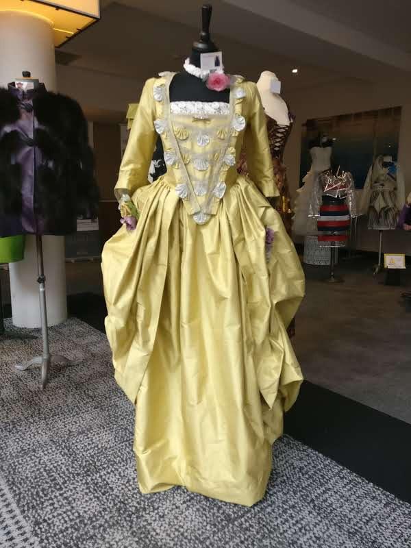 Robe baroque par Fée au Château couturière costumière à Versailles