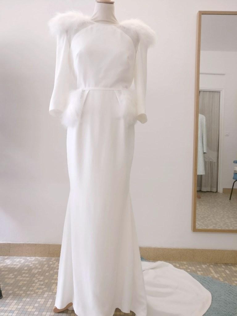 robe de mariée en crêpe et plumes