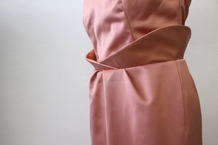 couture sur mesure bustier et jupe de cocktail en satin duchesse