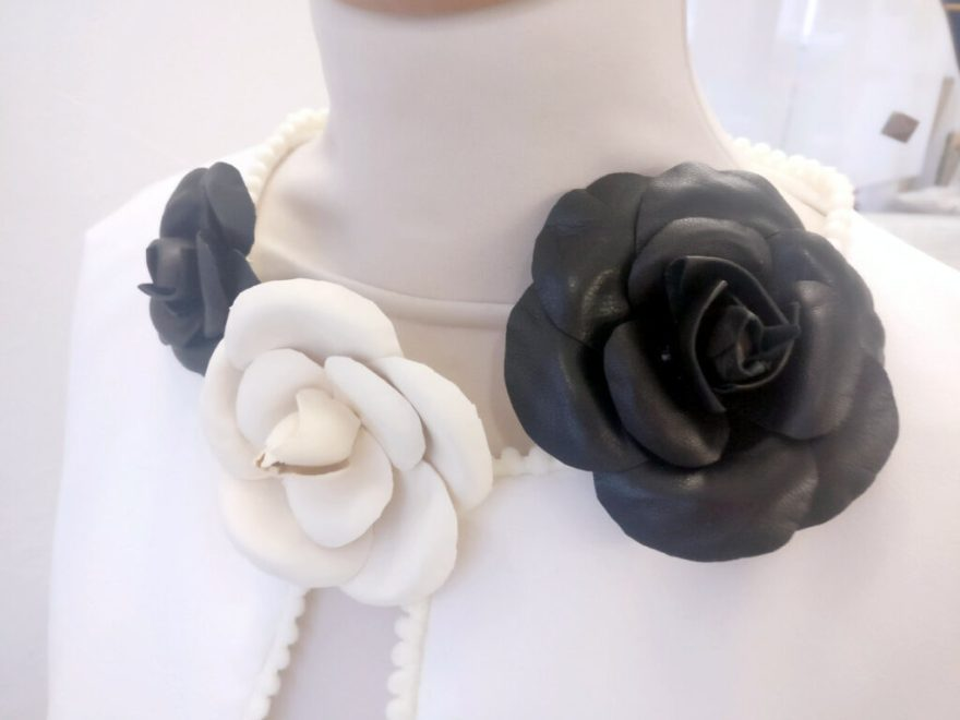 Créations fleurs cuir par Fée au Château, vos créations couture à Versailles
