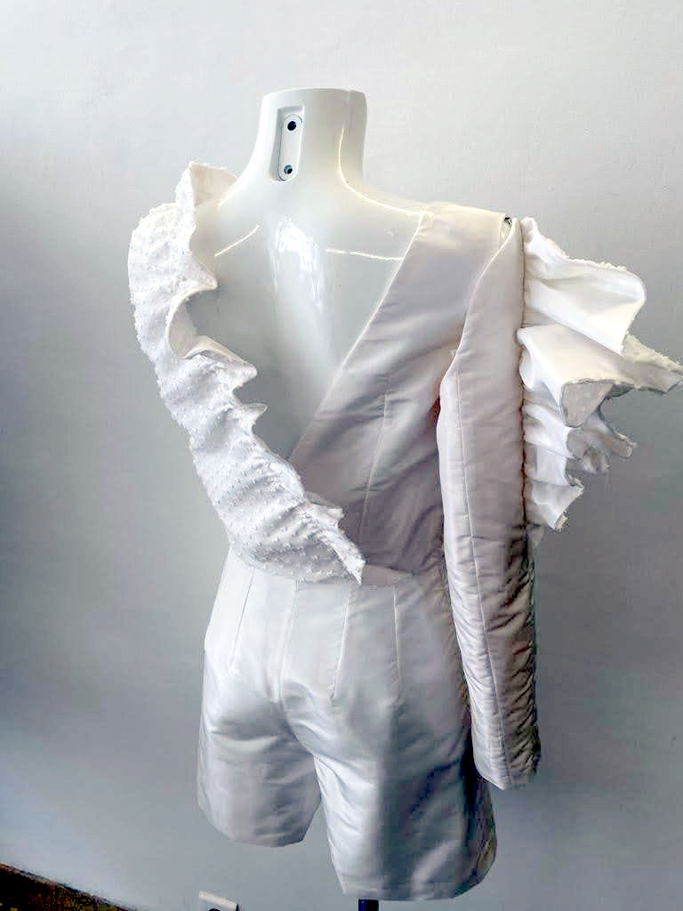 Dos de combi-short de mariée par Fée au Château créations couture à Versailles