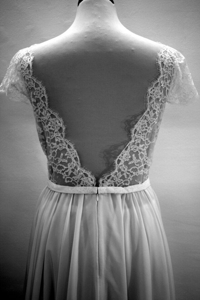 détail Robe de mariée par Fée au Château vos créations couture à Versailles