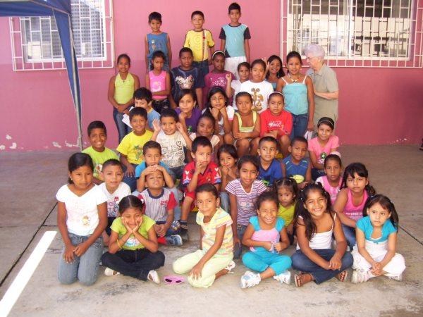 Groupe-enfants-Rose-Aimée