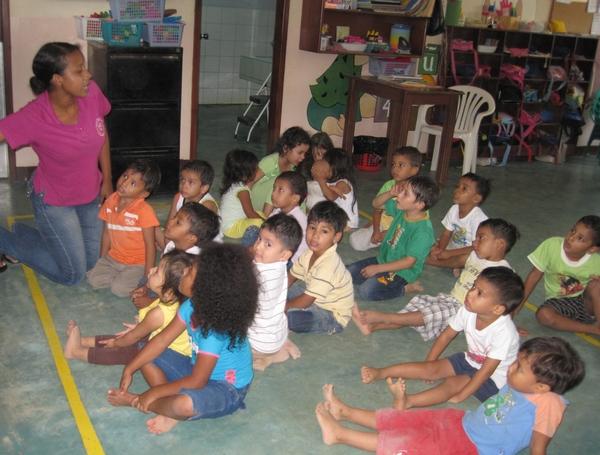 rsz_cdi-Ana-groupe-enfants-2011