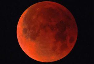 longest lunar eclipse,Dubai,Chandra Grahan,blood moon