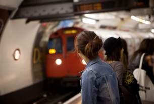 US girl, Sexual Harassment in Delhi, Delhi, Metro News