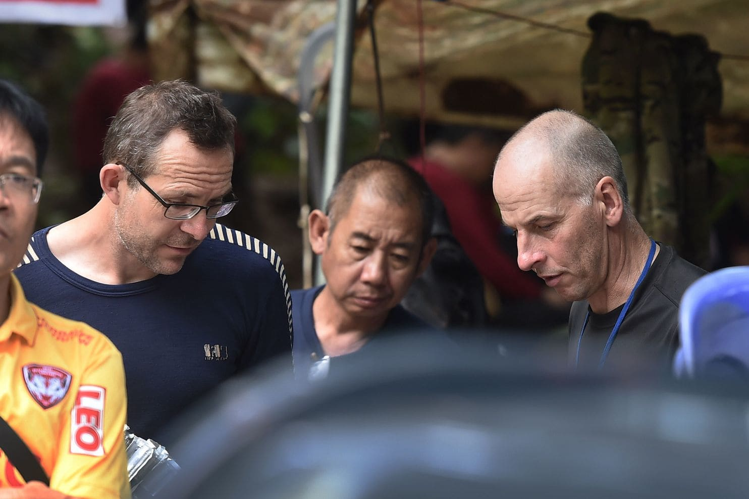 thai cave rescuers, cave rescue divers, award, britain News , tham luang cave, Richard Stanton and John Volanthen