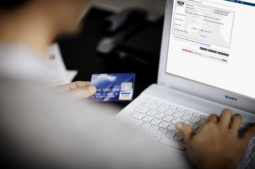 online fraud, Online shopping scam, how to be safe from online fraud, online fraud investigation, fake e portal website, beware from online fraud
