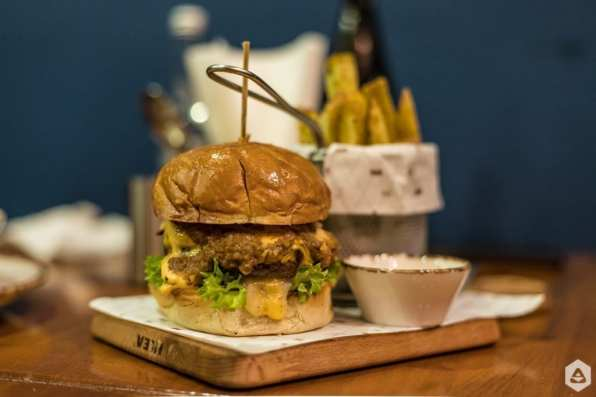 Feeder @ Burger Van Home (16)