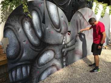 Un-hidden Bucharest street art intervention Pisica Pătrată