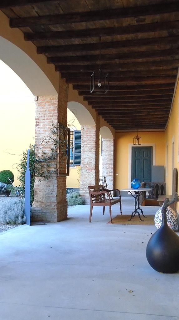 The courtyard side Castello Luzzano.