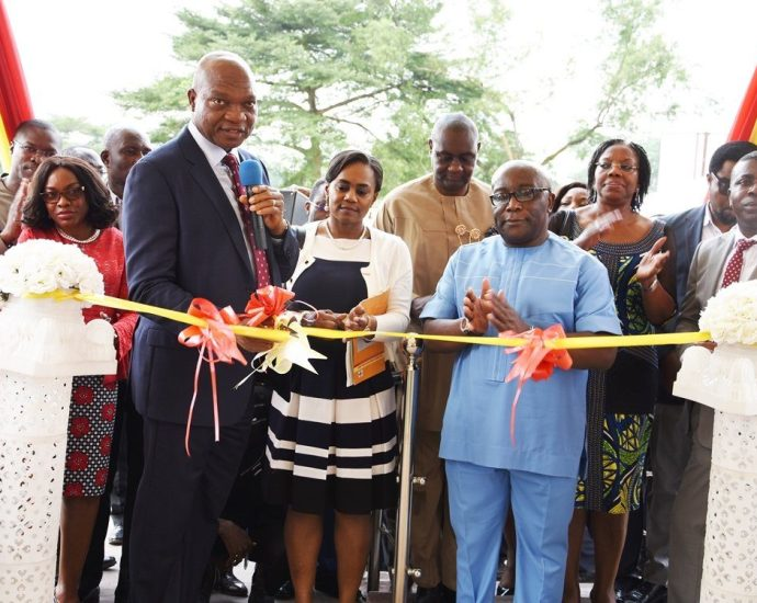 Shell Donates ₦1 Billion (Nigerian Naira) Library In Port Harcourt Excites Literary Enthusiasts. Opening Ceremony Picture