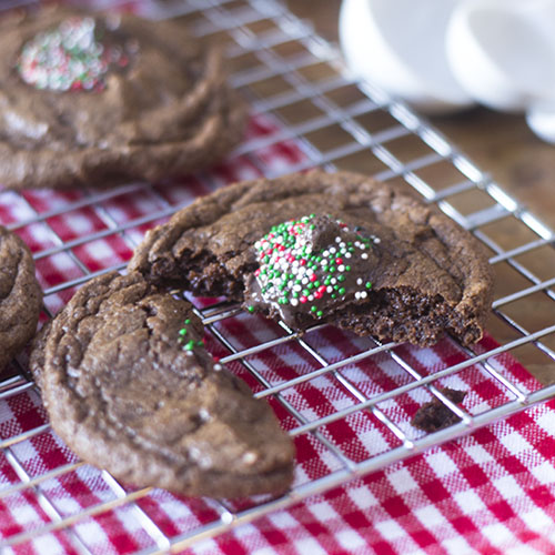 Gluten Free Chocolate Holiday Cookies #dessert #glutenfree #cookies | feedyoursoul2.com