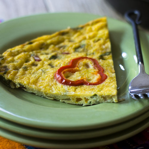 Mexican Frittata Recipe #Breakfast #brunch #Mexicanfood #eggs | feedyoursoul2.com