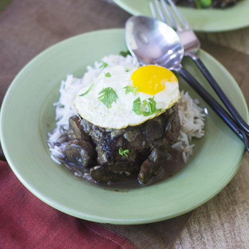 Hamburger Loco Moco Recipe #dinner #hamburger #Hawaiianfood #comfortfood | feedyoursoul2.com