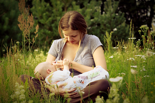 Prevent neck back and joint pain when breast-feeding. Tips from Warwickshire osteopaths.
