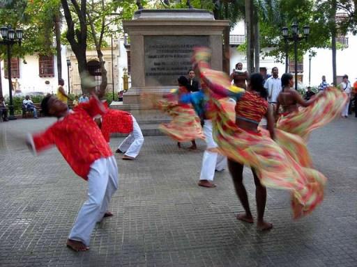 dance-14196_640