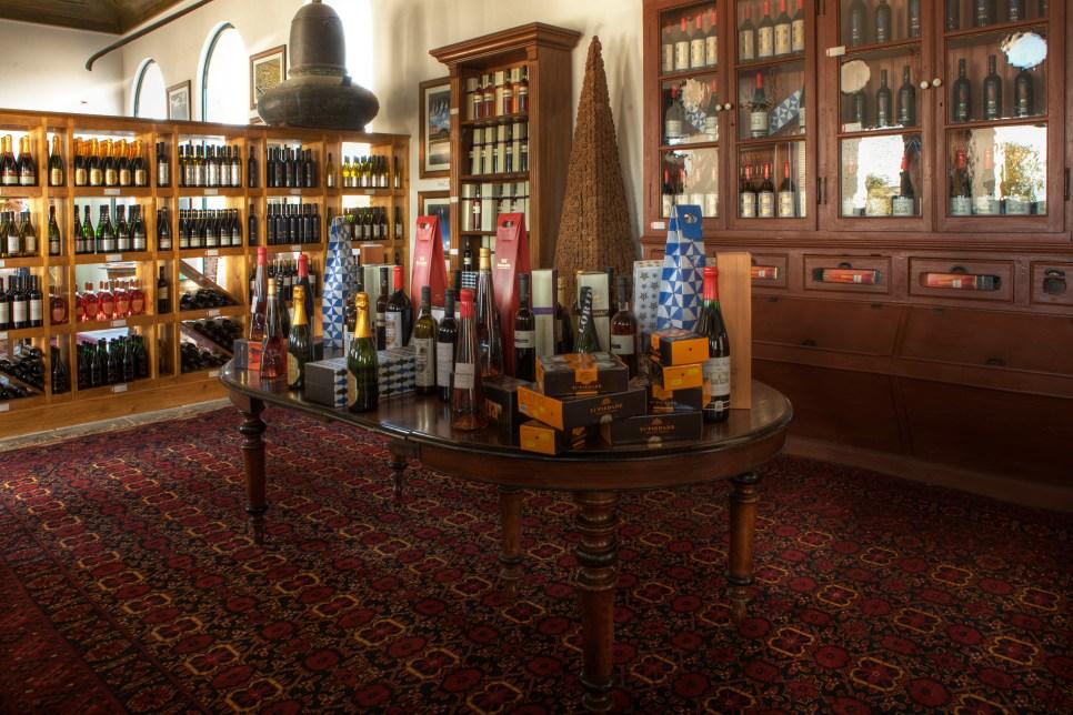 Loja/exposiçao de vinhos da Bacalhôa Buddhas Eden
