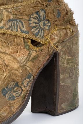 Sapatos Liturgicos Do Arcebispo D. Rodrigo De Moura Teles Sec. Xviii Fotografia De Manuel Correia
