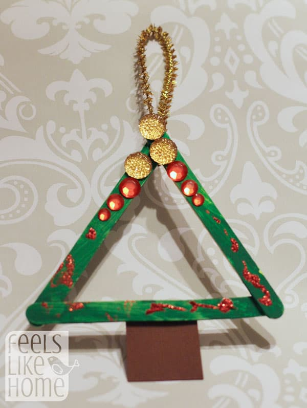 popsicle-stick-christmas-trees-preschoolers-allie