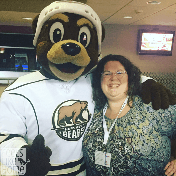 hershey-bears-game-coco-mascot
