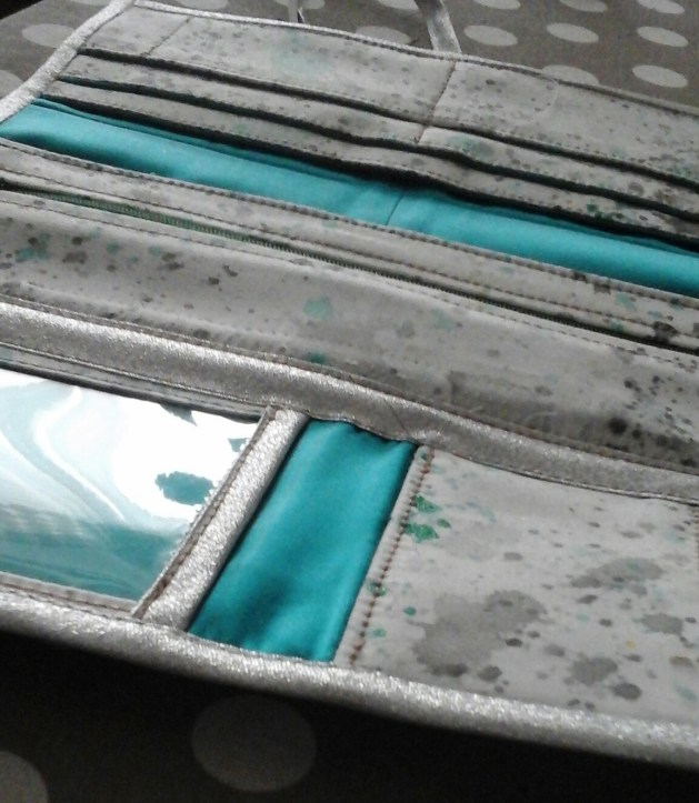 Intérieur chéquier peint à la main