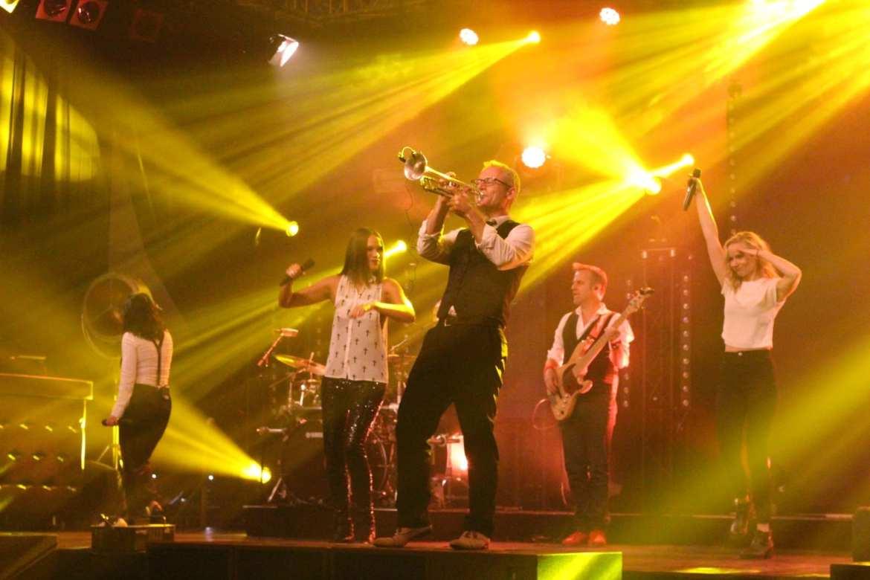 Big Black and Beautiful Live DMG Mandemakers Waalwijk   feestband.com