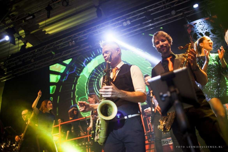 Non stop muziek live band | Non-Stop & Mega Non-Stop | no DJ, breaks | feestband.com