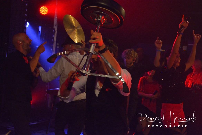 Backstage bij optredens feestbands Boston Tea Party en Got the V!BE feestband.com