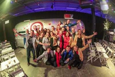 Talenten Rabobank centraal tijdens personeelsfeest in Hart Van Holland | feestband.com