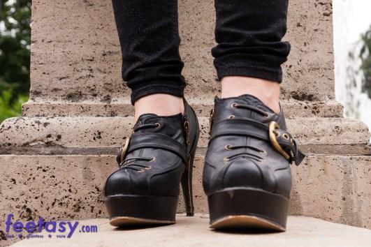 Giantess High Heels POV