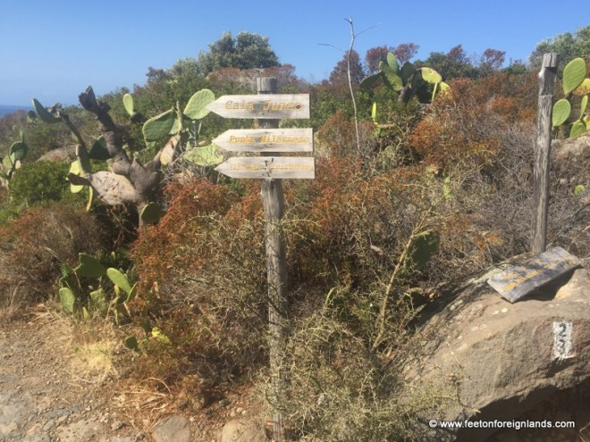 Follow this signage to Cala Junco