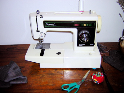 Melissa's JoAnn Sonata vintage sewing machine