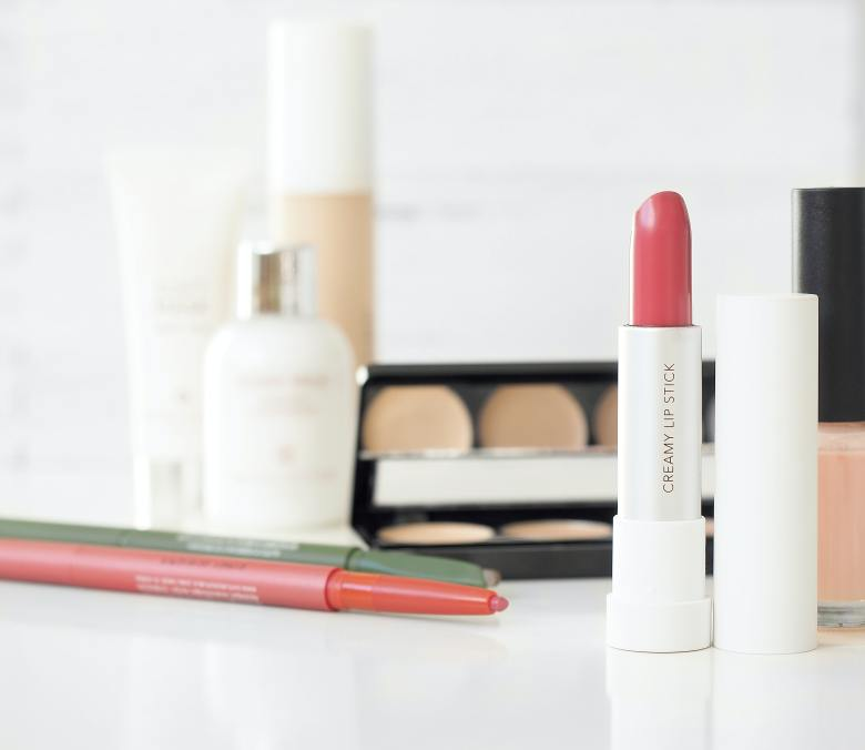 The Perfect Drugstore Makeup Kit