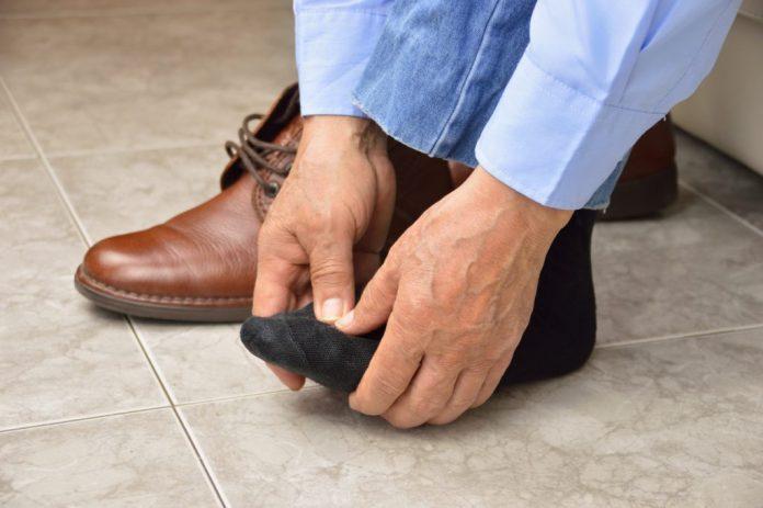 Cuidados com os pés na terceira idade