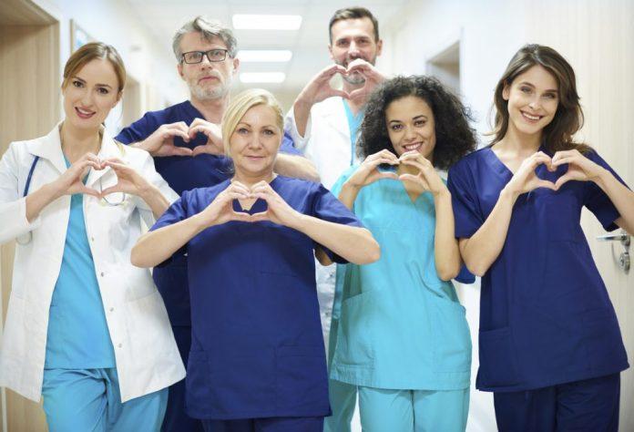 Clínica popular: Consulta médica por menos de 100 reais