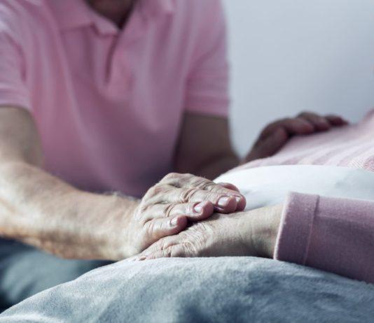 Acompanhante em internação e outros direitos do idoso na saúde