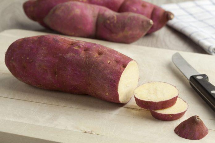 Azia e refluxo? Veja como a batata doce pode ajudar