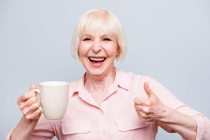 10 chás para melhorar o humor