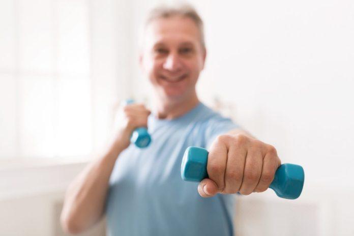 Exercícios para fazer em casa na terceira idade