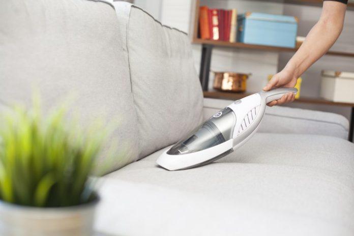 Limpeza de sofá – Passo-a-passo da lavagem a seco
