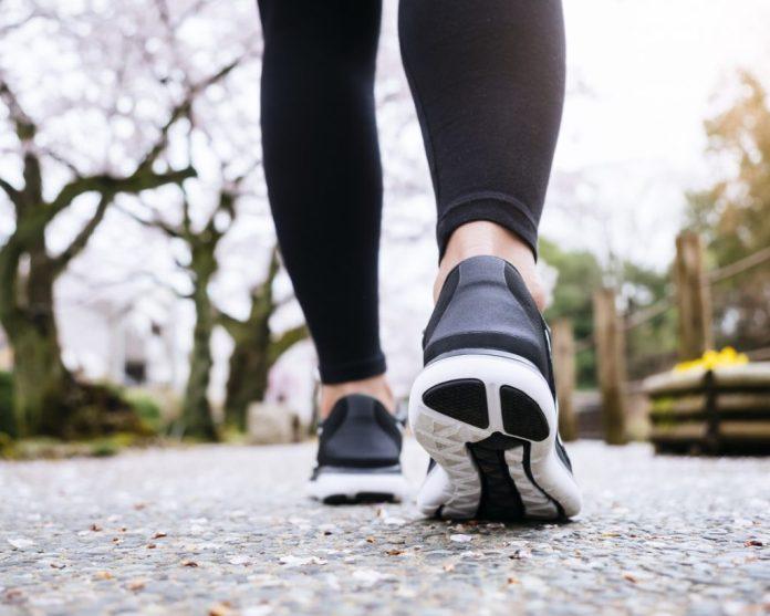 Tênis para caminhada – 3 características mais importantes